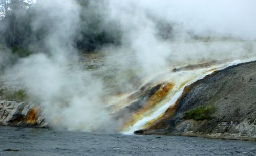 YellowstoneMidwayGeyserBasin0236