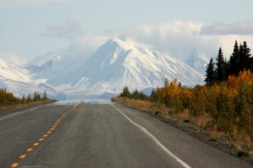 AlaskanHwyReturnKluaneLake6904